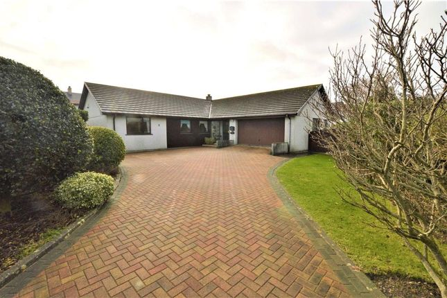 4 bed detached bungalow to rent in Greenbank, Connor Downs, Hayle TR27