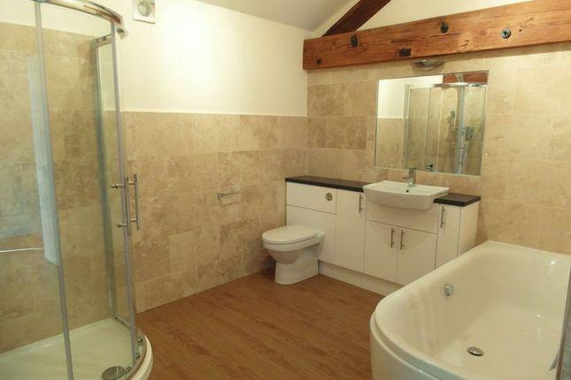 Bathroom of Westfield Terrace, Upper Bar, Newport TF10