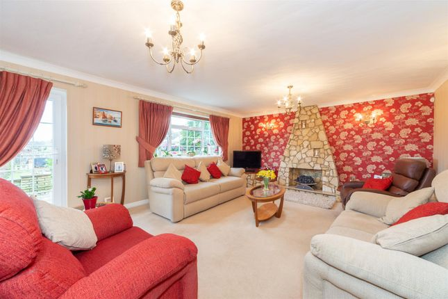 Detached house for sale in Stanton Road, Luton, Bedfordshire