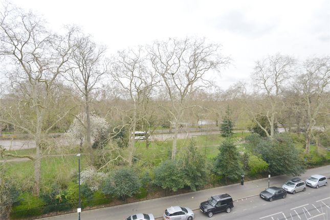 Picture No. 07 of Prince Of Wales Drive, London SW11