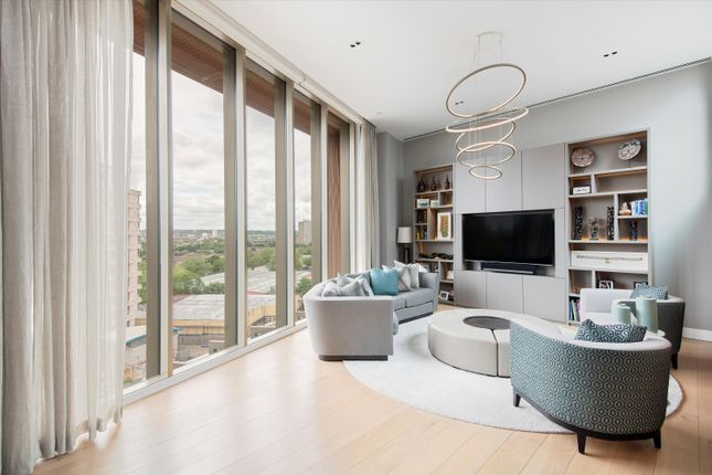 Thumbnail Flat to rent in Tapestry, Canal Reach, King's Cross, London