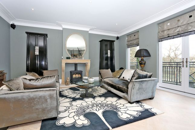 Thumbnail Property for sale in The Moorings, Willoughby Road, Twickenham
