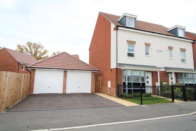 Thumbnail Town house to rent in Montague Park, Wokingham