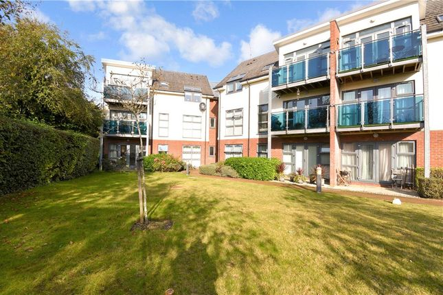 2 bed flat for sale in Winchester Road, Romsey SO51