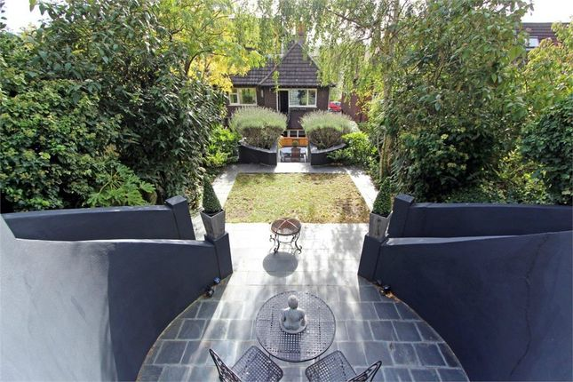 Thumbnail Flat for sale in Springfield Avenue, Muswell Hill, London