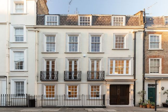 Thumbnail Terraced house for sale in Culross Street, London