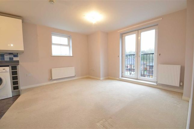 2 bed flat to rent in 1 Hawkins Close, Blackley, Manchester, Greater Manchester