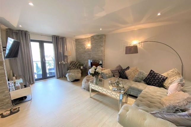 Thumbnail Flat for sale in South Quay Kings Road, Marina, Swansea
