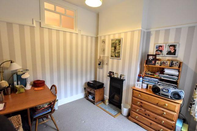 Bedroom of Leon Avenue, Bletchley, Milton Keynes MK2