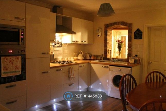 Thumbnail Terraced house to rent in Trinity Lane, Beverley