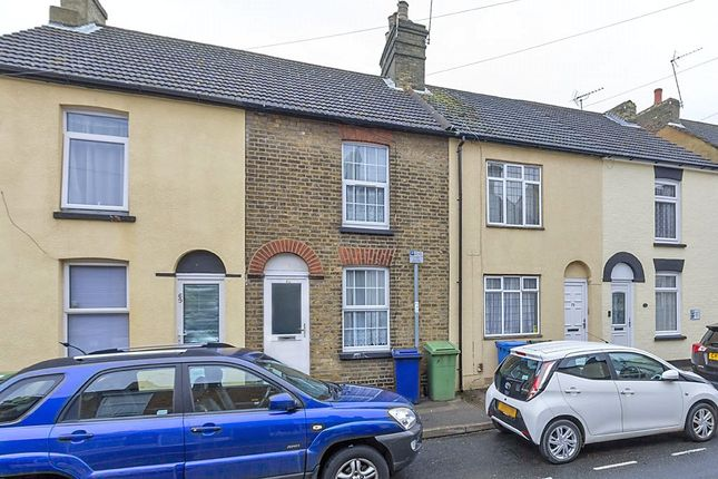 2 bed link-detached house to rent in William Street, Sittingbourne, Kent ME10