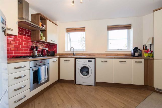 Living Kitchen of Pintail Close, Scunthorpe DN16
