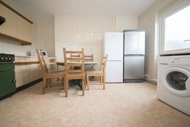 Thumbnail Flat to rent in Onslow Parade, Hampden Square, London