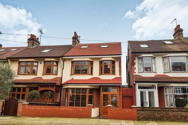 Thumbnail Terraced house for sale in Hawthorn Avenue, London
