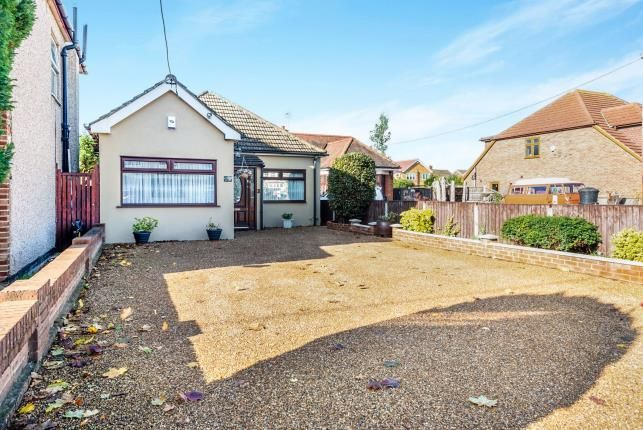 Thumbnail Bungalow for sale in Rainham, Havering, Greater London
