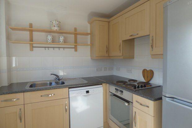 2 bed flat to rent in Jackwood Way, Tunbridge Wells TN1