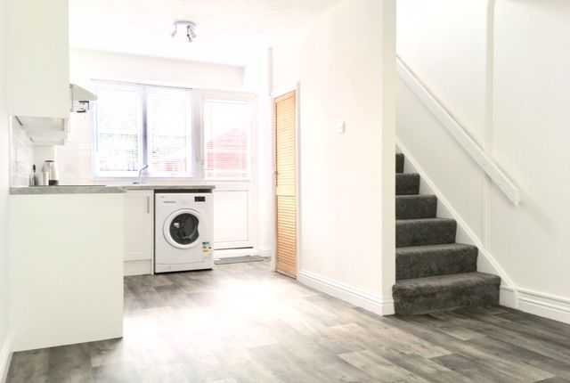 Thumbnail End terrace house to rent in Roman Way, Bicester