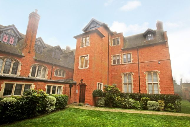 Thumbnail Flat to rent in Abbey Gardens, Upper Woolhampton, Reading, Berkshire