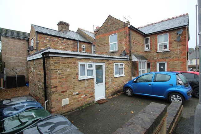 Thumbnail Semi-detached house to rent in Hughenden Road, High Wycombe