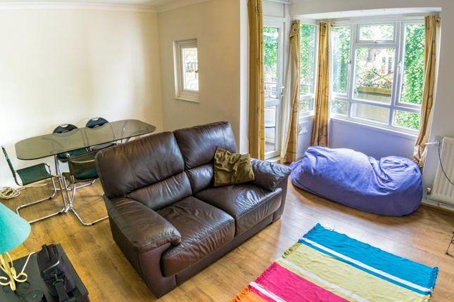 3 bed flat to rent in Queen Caroline Street, Hammersmith, London