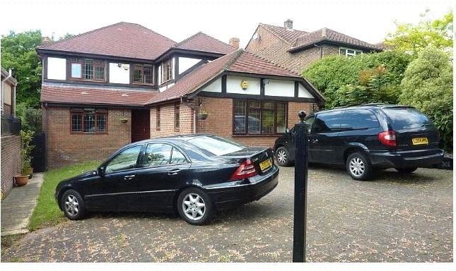 Thumbnail Detached house to rent in Barnet Gate Lane, Arkley, Hertfordshire