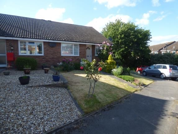 Thumbnail Bungalow for sale in Herriot Close, Newport Pagnell, Milton Keynes, Bucks