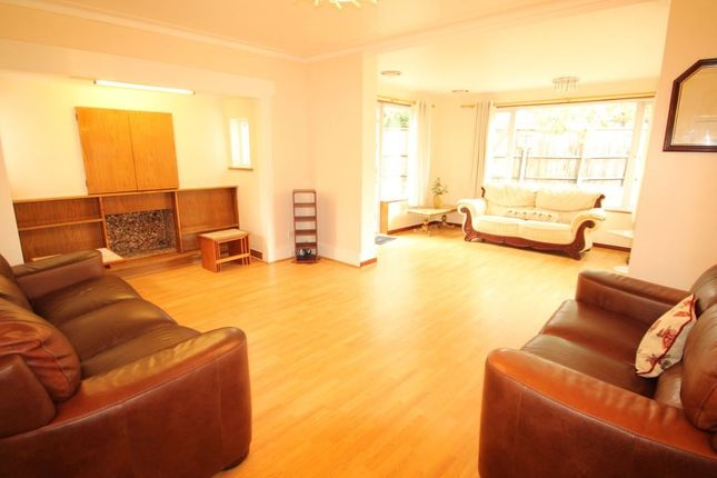 Thumbnail Semi-detached house to rent in Allington Road, London