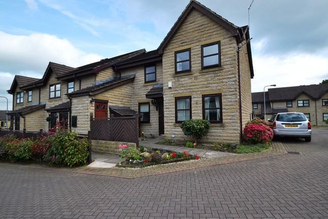 Thumbnail Property for sale in Dunkhill Croft, Idle, Bradford