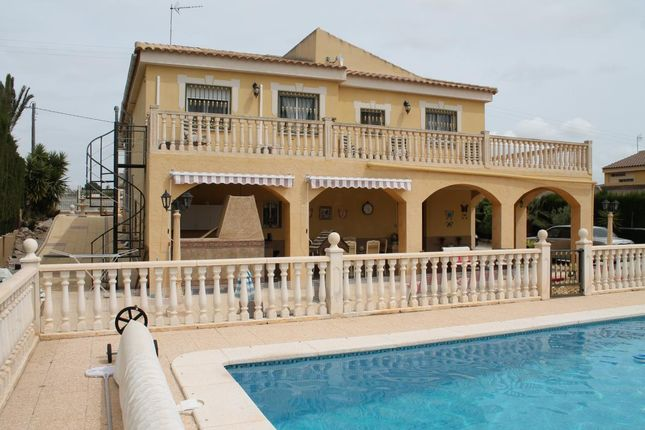 6 bed villa for sale in Fortuna, Murcia, Spain