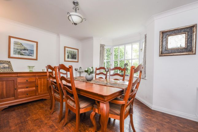 Dining Room of Dean Wood Close, Woodcote, Reading RG8