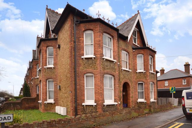 Studio to rent in York Road, Guildford