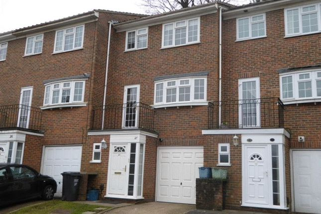Thumbnail Property for sale in Hillview Close, Purley