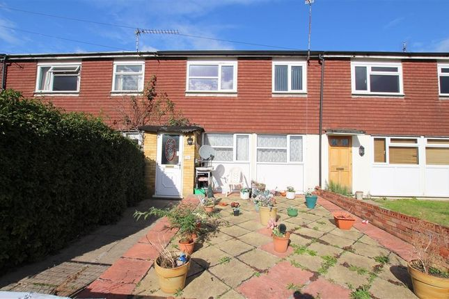 Thumbnail Terraced house for sale in Bourne Road, Pangbourne, Reading
