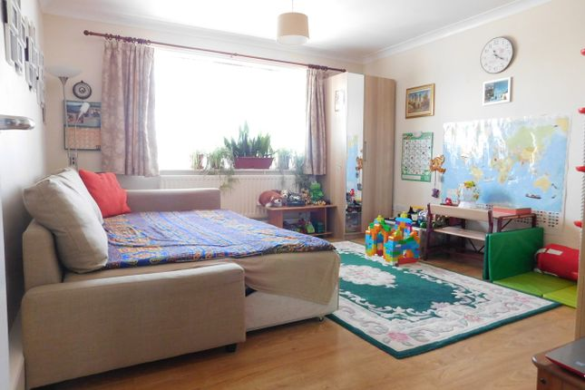 Room for sale in William Close, Southall