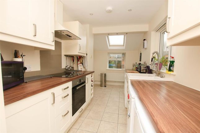 Thumbnail Terraced house to rent in Queens Park, Aylesbury