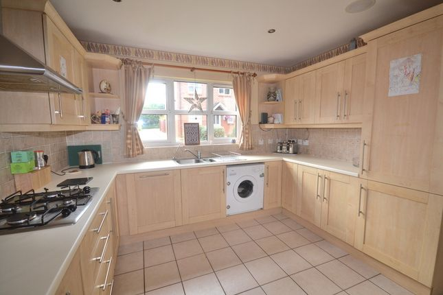 Thumbnail Detached house to rent in Meadowside, Off Woodside Road, Watford