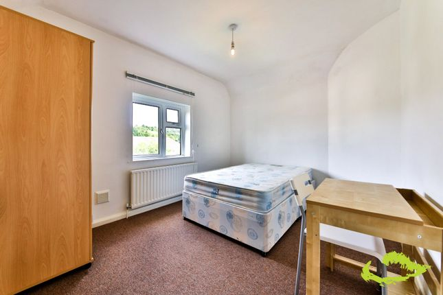 Thumbnail Shared accommodation to rent in Manton Road, Brighton
