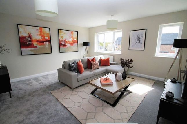 Thumbnail Town house for sale in High Street, Eaton Bray, Bedfordshire