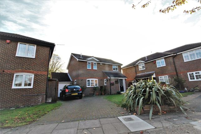 Thumbnail Detached house to rent in Abbotswood Close, Belvedere, Kent