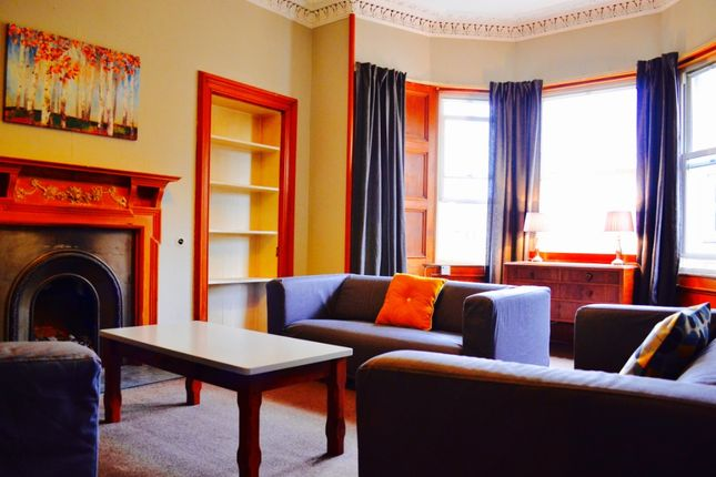 Thumbnail Flat to rent in Upper Gilmore Place, Bruntsfield, Edinburgh