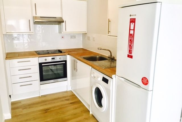 Flat to rent in London Road, Croydon, Surrey