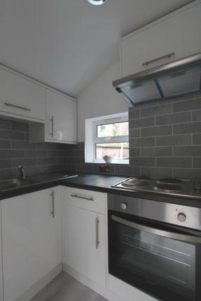 Studio to rent in Kidderminster Road, Croydon