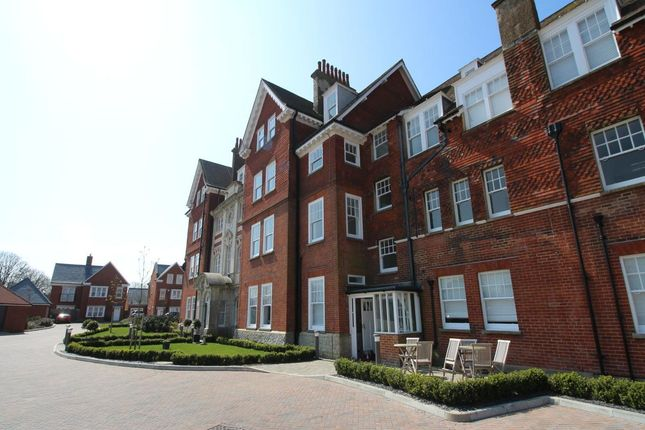 Thumbnail Flat for sale in Eversley Park, Folkestone