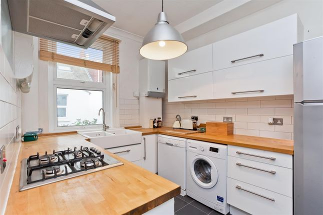 2 bed flat for sale in Stafford Road, Brighton