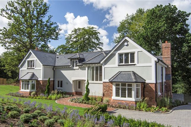 Thumbnail Detached house for sale in Jubilee Road, Finchampstead, Wokingham