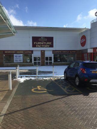 Thumbnail Retail premises to let in Island Green, Wrexham