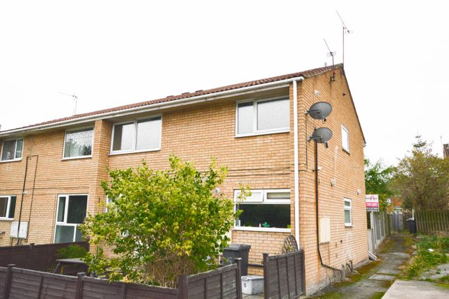 Thumbnail Flat to rent in Meadowcroft Rise, Westfield