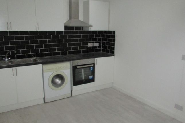 1 bed flat to rent in Collingdon Street, Luton, Bedfordshire