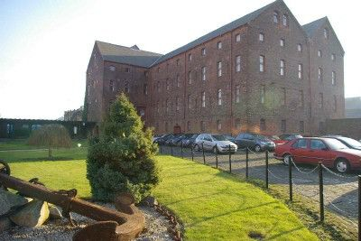 2 bed flat for sale in Lister Court, High Street, Hull, Yorkshire HU1