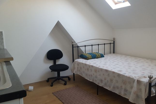 Room to rent in Hurley Road, Greenford